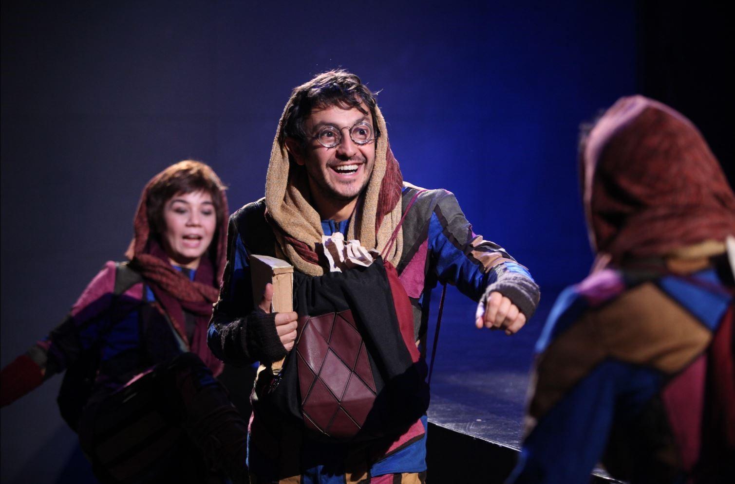Aralık ayının son haftası sahnelenecek olan tiyatrolar 74